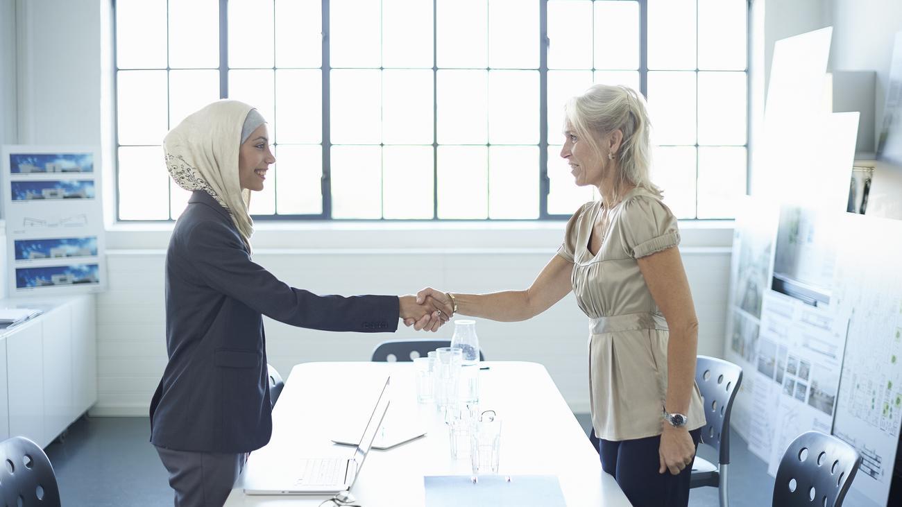 Frau mit kopftuch kennenlernen