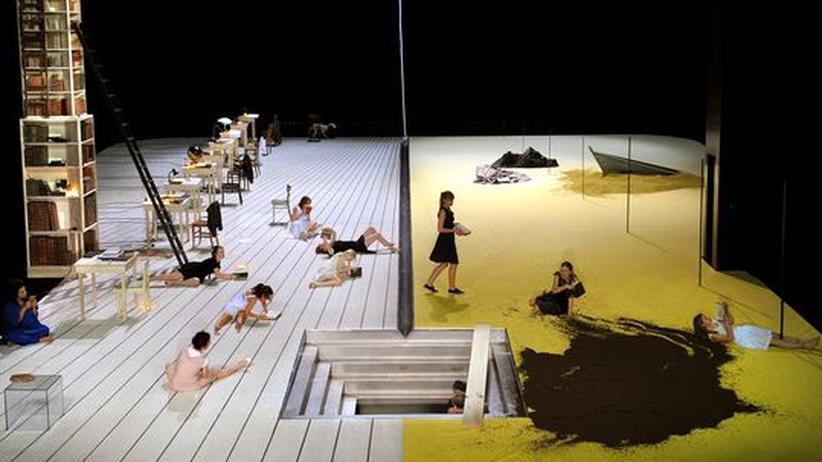Wiener Festwochen: Geteilte Wiener Bühnenwelt: Links wird gelesen, rechts gekämpft