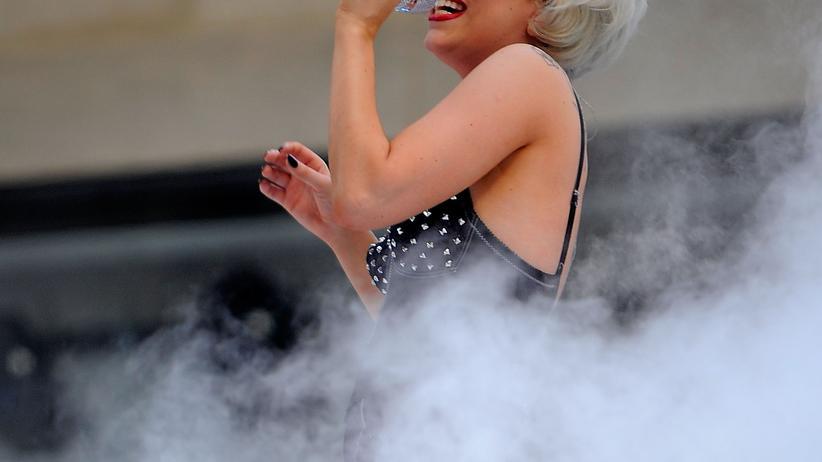 Kulturjahr 2011: Lady Gagas CO2-Kleidchen