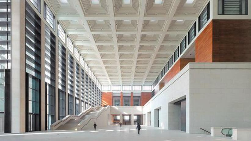 Nationalmuseum in Peking: Die große Halle des Pekinger Nationalsmuseums, entworfen vom Hamburger Architekturbüro gmp.