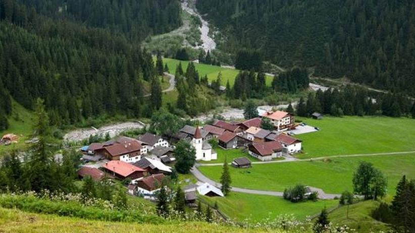 Tirol: Das Dorf Boden im Bschlabertal in den Lechtaler Alpen