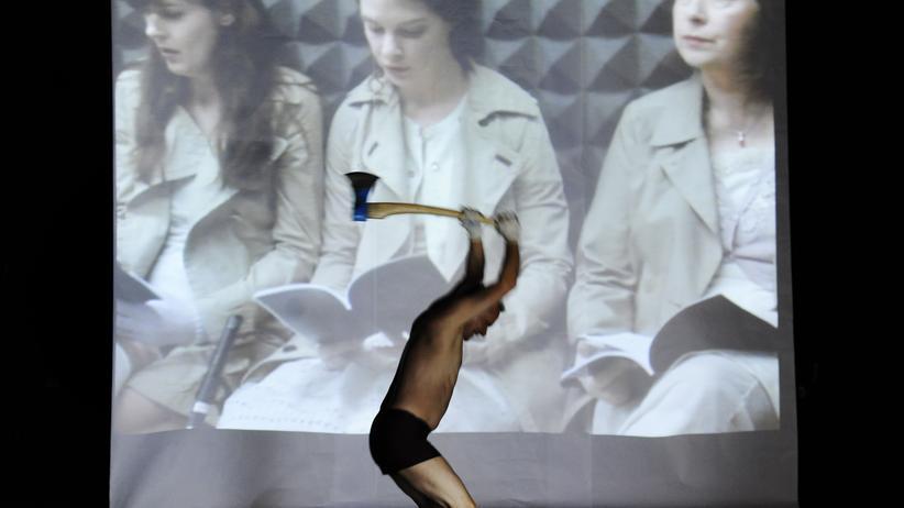 Zürcher Schauspielhaus: Auf der Bühne Faust, im Kellerloch Fritzl