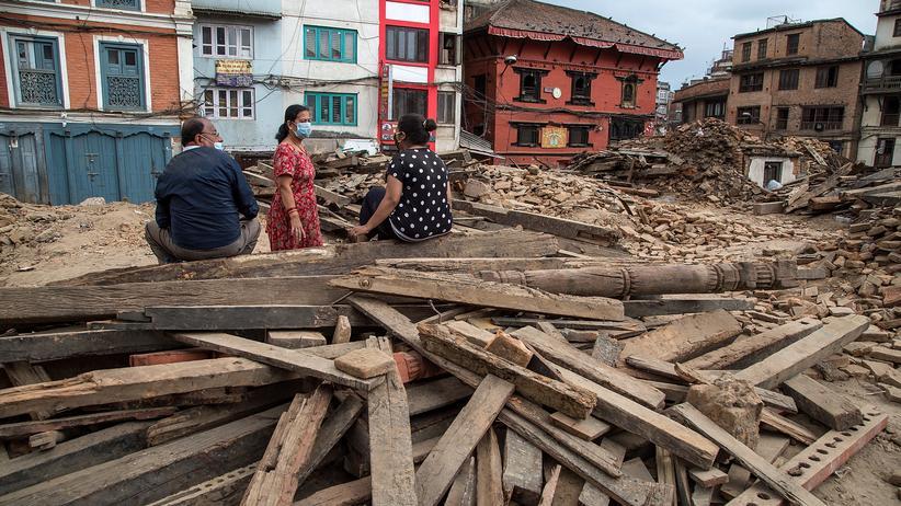 Kultur, Nepal, Christian Kracht, Nepal, Erdbeben, Hinduismus, Hotel, Japan, Kathmandu, Myanmar, Thailand, Vietnam, Bangkok, Europa, Kalifornien