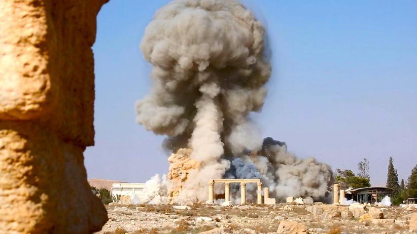 """""""Islamischer Staat"""": Am 25. August verbreiteten Kämpfer des IS dieses Bild in den sozialen Netzwerken: die Zerstörung des Baalshamin-Tempels in der antiken Stätte Palmyra."""