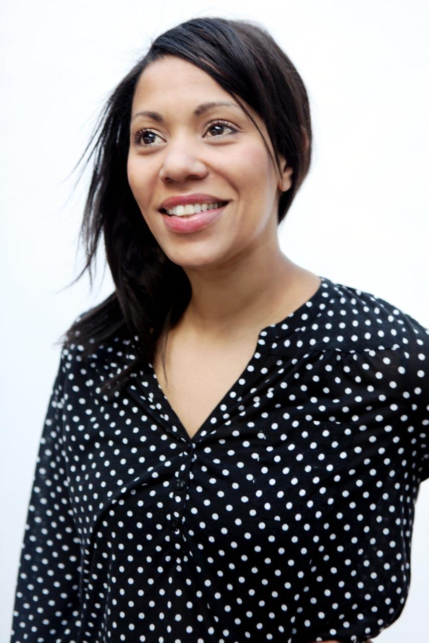 """Julia Grosse ist Kunsthistorikerin und arbeitete sieben Jahre als Kulturkorrespondentin in London. Seit anderthalb Jahren lebt sie mit ihrer Familie in Berlin und ist Chefredakteurin und Mitgründerin des Online-Kunstmagazins """"Contemporary And"""". Sie ist Gastautorin von """"10 nach 8""""."""