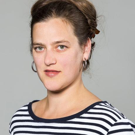 """Feminismus: Catherine Newmark lebt in Berlin und arbeitet als Kulturjournalistin mit Schwerpunkt Film, Philosophie und Geisteswissenschaften. Sie ist Autorin und Redakteurin bei Deutschlandradio Kultur und beim """"Philosophie Magazin"""" sowie Mitglied der Redaktion von """"10 nach 8""""."""