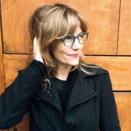 """USA: Sally McGrane kommt aus Berkeley in Kalifornien und lebt seit mehr als zehn Jahren in Berlin. Sie ist Journalistin und schreibt unter anderem für die """"New York Times"""" und den """"New Yorker"""". Ihr Spionageroman """"Moskau um Mitternacht"""" ist im März 2016 erschienen. Sie ist Gastautorin von """"10 nach 8""""."""