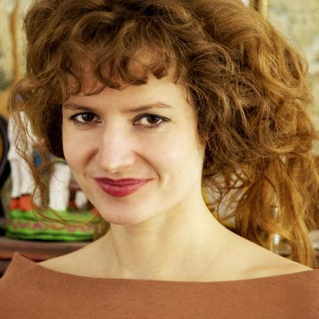 """Schwangerschaftsabbruch: Sarah Diehl lebt als Autorin und Aktivistin in Berlin. Sie arbeitet zum Thema """"Reproduktive Rechte im internationalen Kontext"""", hat den Dokumentarfilm """"Abortion Democracy: Poland/South Africa"""" gedreht sowie den Roman """"Eskimo Limon 9"""" und das Sachbuch """"Die Uhr, die nicht tickt"""" geschrieben. Sie ist Gastautorin von """"10 nach 8""""."""