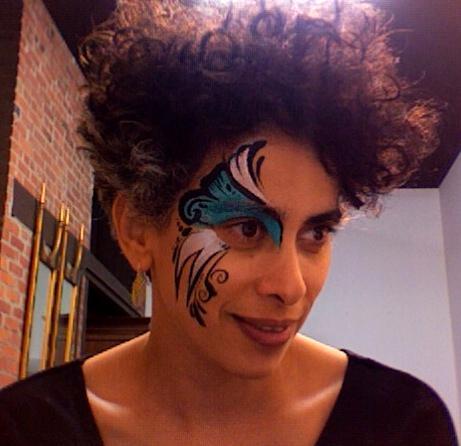 """Adania Shibli ist eine palästinensische Schriftstellerin und Kulturwissenschaftlerin. Sie lebt zwischen Berlin und Jerusalem und ist Gastautorin bei """"10nach8""""."""