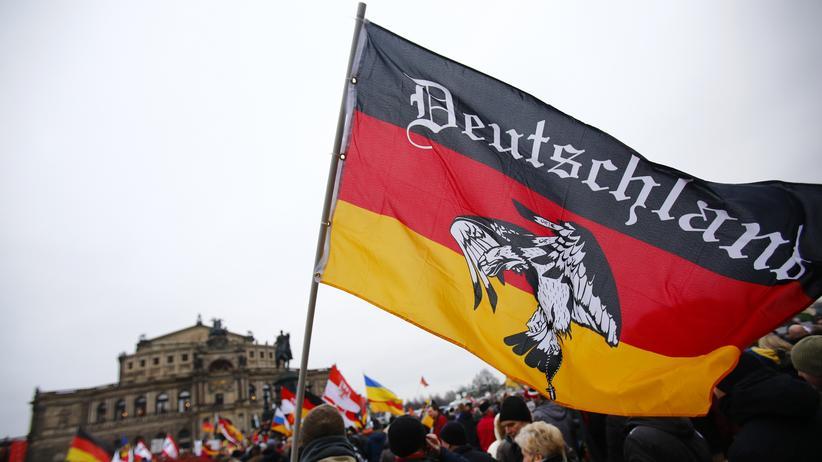 Kultur, Nationalismus     Bundesrepublik Deutschland     Pegida     Staatsangehörigkeit     Staatsgrenze     Wiedervereinigung