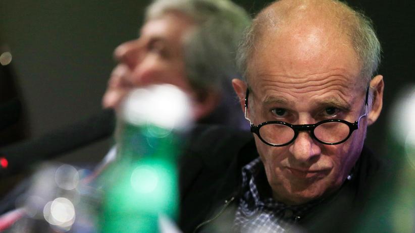 Nachruf Luc Bondy: Junggenie und Verführer – Luc Bondy arbeitete als Theater- und Filmregisseur, war als Intendant und Autor tätig. Im Alter von 67 Jahren ist er jetzt verstorben.