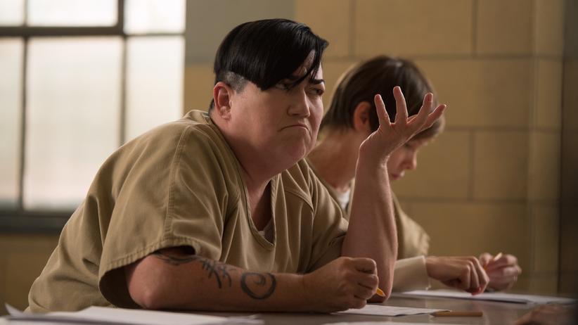"""Transsexualität: Die Schauspielerin Lea DeLaria als prototypische Butch in der amerikanischen TV-Serie """"Orange Is The New Black""""."""
