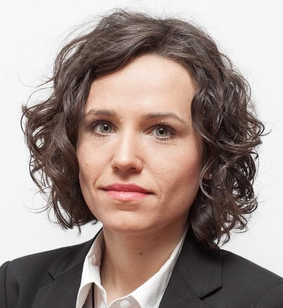Dominika Bychawska-Siniarska ist Juristin und Menschenrechtlerin und lebt in Polen. Sie arbeitet für die Helsinki Foundation for Human Rights. Für ihren Einsatz für die Meinungsfreiheit in Polen wurde sie mit einem Preis geehrt.