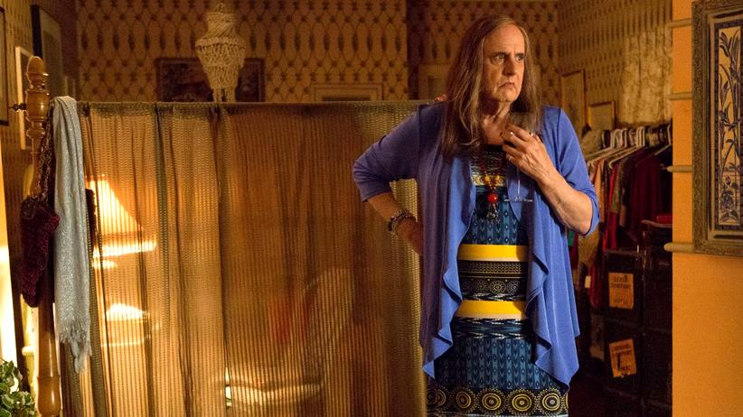 "Postkapitalismus: Jeffrey Tambor als Maura Pfefferman in der Serie ""Transparent"""