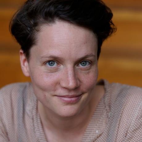"""Abschiednahme: Caroline Kraft war die vergangenen zehn Jahre in der Verlagsbranche tätig – in London, Frankfurt und Berlin, wo sie heute lebt und als PR- und Kommunikationsberaterin arbeitet. Sie ist ausgebildete Sterbebegleiterin und Mitgründerin des Podcasts """"endlich. Wir reden über den Tod"""". Sie ist Gastautorin von """"10 nach 8""""."""