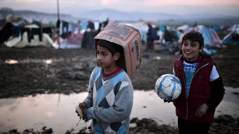 Migration: Kinder im Flüchtlingslager Idomeni an der griechisch-mazedonischen Grenze