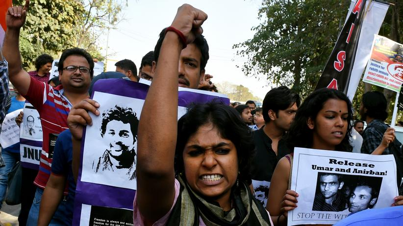 Studentenbewegung: Was der Neoliberalismus aus Indien macht