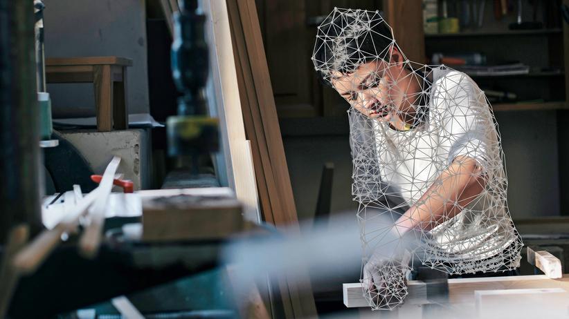 Künstliche Intelligenz: Handarbeit ist Luxus im Jahr 2031: Das Prekariat bastelt für seinen Lebensunterhalt, aber es gibt keine Kundschaft mehr für manuell gefertigte Produkte. Viel zu teuer.