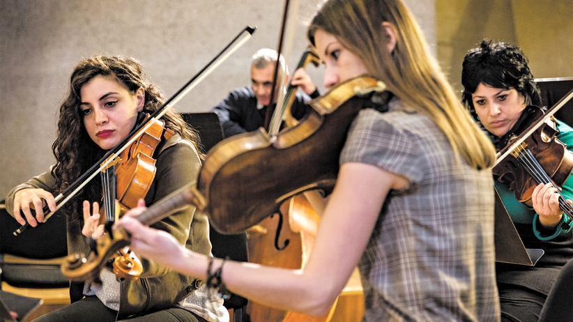Dresdner Sinfoniker: Armenische und türkische Musiker bei der ersten Probe
