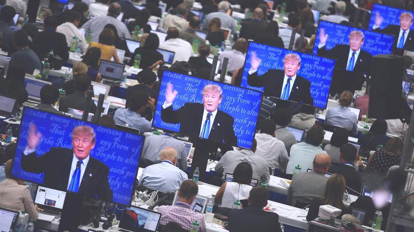Medien zum US-Wahlkampf: Wie es so weit kommen konnte? Trump macht Quote und wabert durch unkontrollierbare digitale Medien.