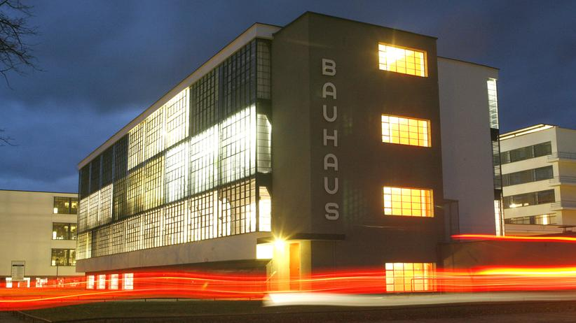 Bauhaus: Das Gebäude der Kunst-, Design- und Architekturschule Bauhaus in Dessau