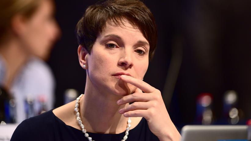 AfD-Parteitag: AfD-Bundessprecherin Frauke Petry