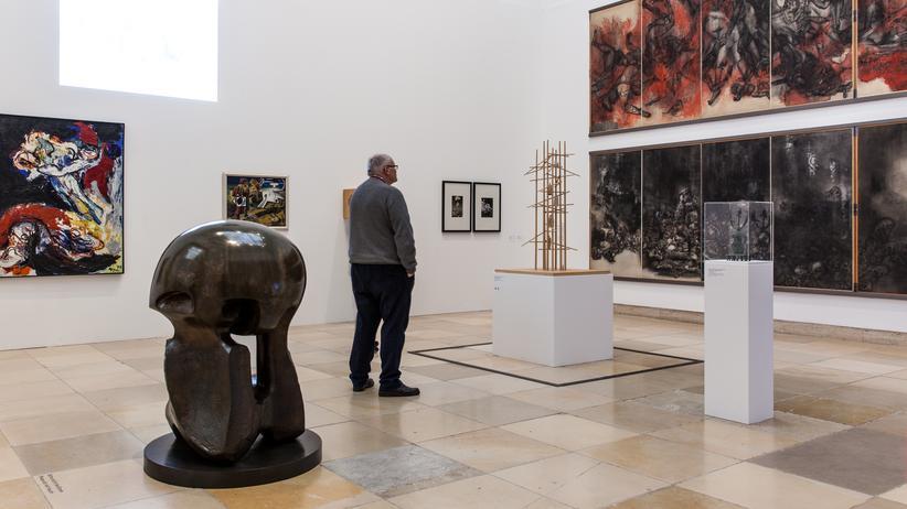 """Kunstgeschichte: Nicht länger 'kanonische Kunstgeschichte': Die Ausstellung """"Postwar: Kunst zwischen Pazifik und Atlantik"""" zeigt Werke internationaler Künstler aus den Jahren zwischen 1945 und 1965 im Haus der Kunst München."""