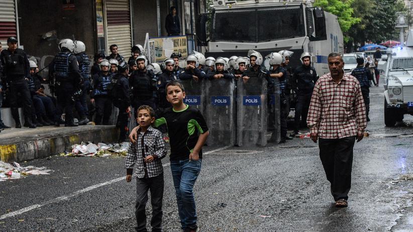 Türkei: Polizeipräsenz nach einer Demonstration in Diyarbakır im Oktober 2016