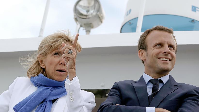 Frankreich: Brigitte Trogneux mit ihrem Ehemann, dem französischen Präsidentschaftskandidaten Emmanuel Macron