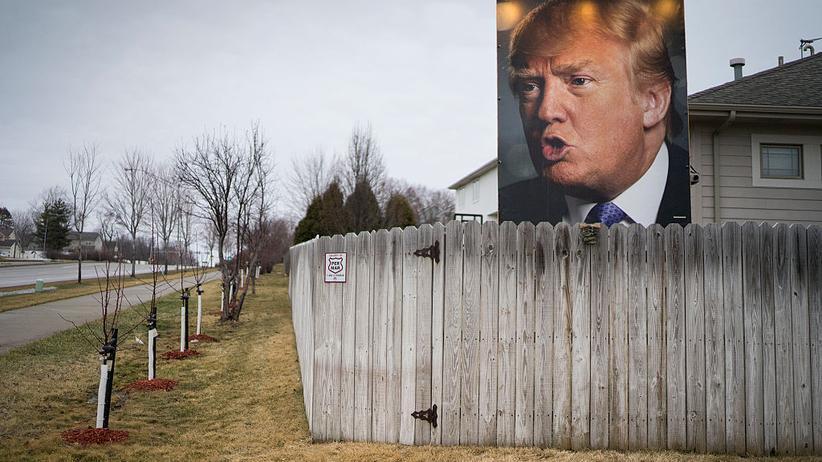Donald Trump: Werbung für Donald Trump in Des Moines, Iowa – aufgestellt in einem Vorgarten