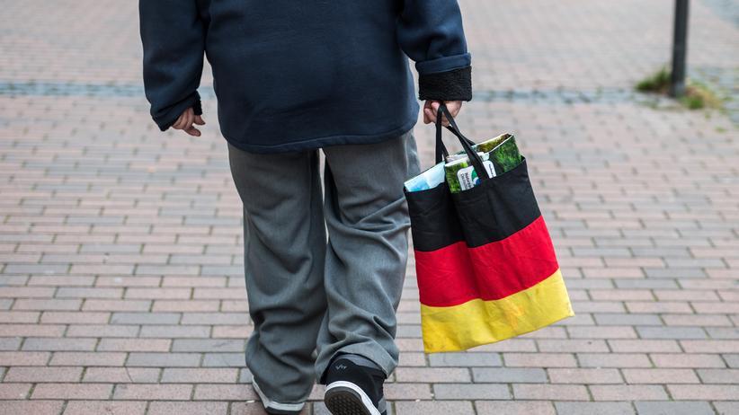 AfD: Besucher einer Wahlkampfveranstaltung der AfD