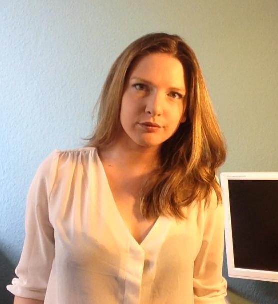 """Bibis Beauty Palace: Marlen Hobrack studiert im Master-Studiengang Kultur- und Medienwissenschaften, nachdem sie zuvor einige Jahre in einer Unternehmensberatung gearbeitet hat. Derzeit schreibt sie an einem Social-Media-Roman. Sie lebt mit ihrem Sohn in Dresden und ist Gastautorin bei """"10 nach 8""""."""