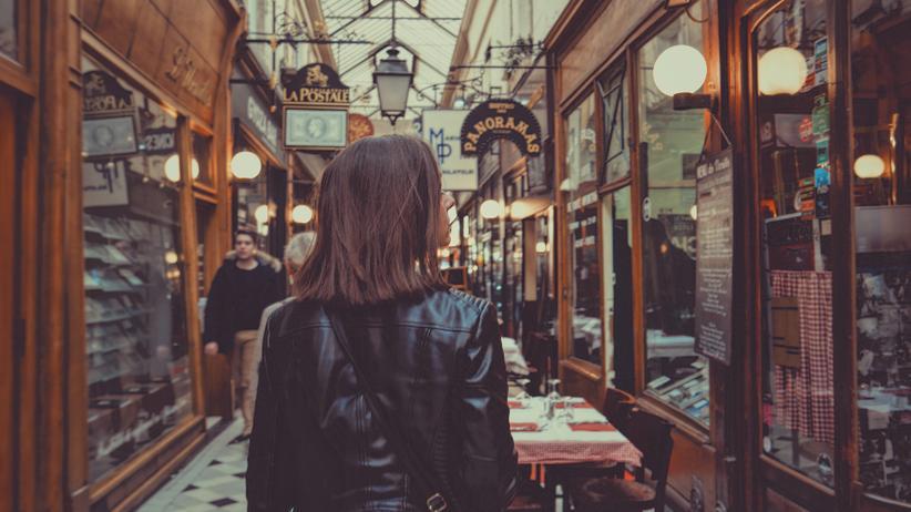Konsum: In Paris kann man in ihnen lustwandeln, den Internet-Kaufhäusern des 19. Jahrhunderts.