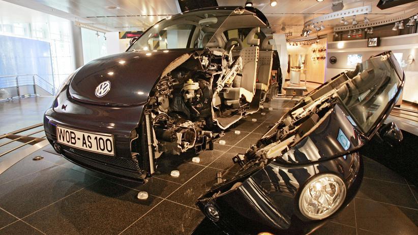 Wolfsburg: Vielleicht begann die Entfremdung des Menschen von seinem Volkswagen auch schon lange vor der Dieselaffäre, nämlich als die Elektronik ins Wageninnere einzog.