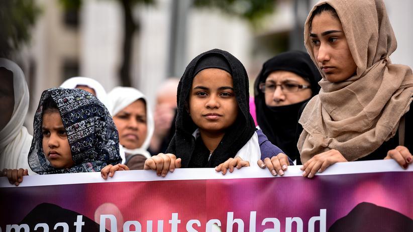 Rassismus: Die AfD ist in den Bundestag eingezogen. Doch Rassismus ist in Deutschland schon lange ein Problem.