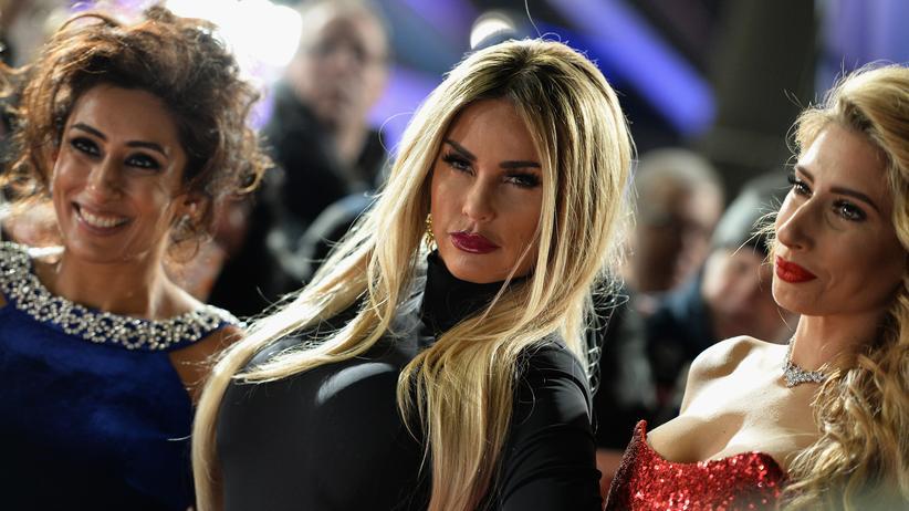 Schönheit: die britischen Entertainerinnen Katie Price und Stacey Solomon (rechts) während einer Gala in London
