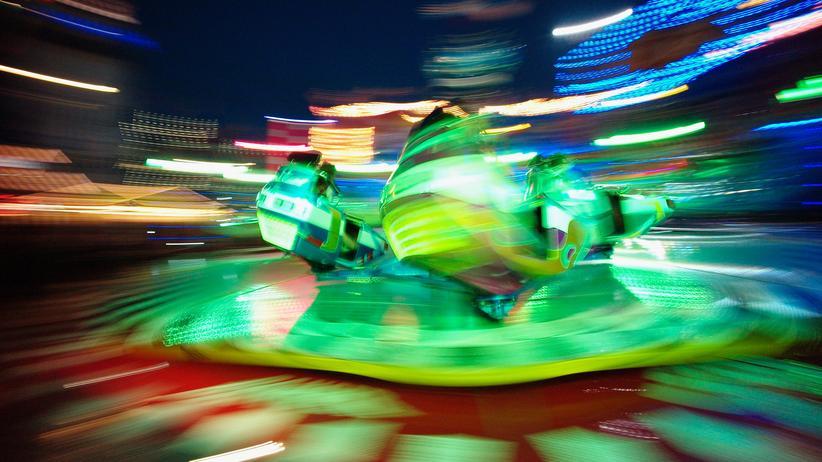 """Drogen: Rauscht auch ohne Stimulanzien: ein """"Breakdancer"""" auf dem Oktoberfest in München."""