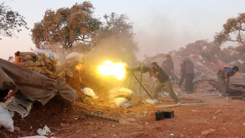 Syrien: Syrische Rebellen im Kampf gegen die regimenahe Schabiha-Miliz im Nordwesten Syriens