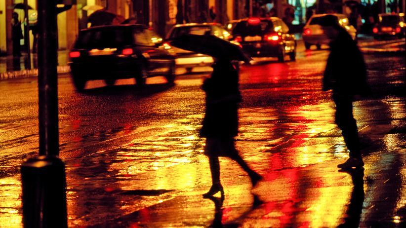 #MeToo: Ein französisches Gesetzesvorhaben, das im Frühjahr verabschiedet werden soll, möchte auch sexuelle Straßenbelästigung härter unter Strafe stellen.