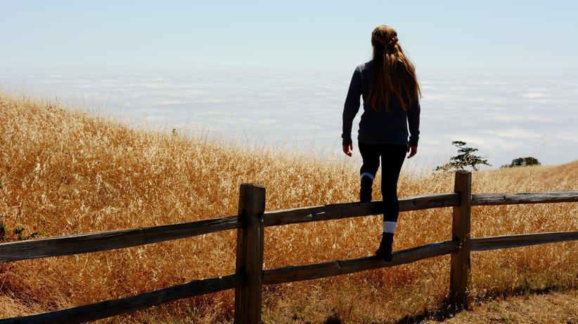 Außenseiter: Die ständige Selbstüberwindung, normal zu sein, verändert Menschen.