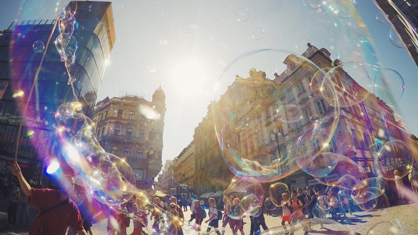 Bubble Studies: Bis eine platzt!