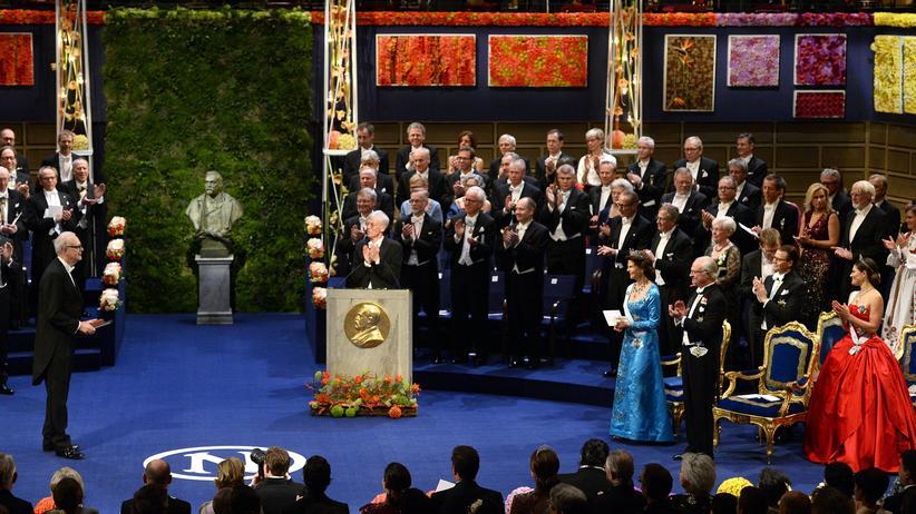 Literaturnobelpreis: König von Schweden erlaubt Neubesetzungen