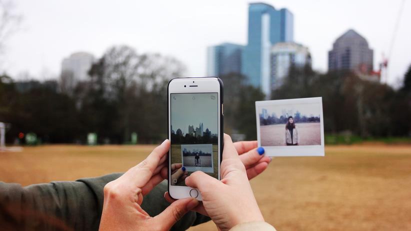 Internetaktivismus: Bild im Bild im Bild im Netz. Ob und wie man darin politisch agieren soll, fragt sich die Internetlinke.