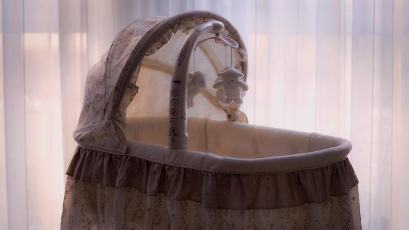 Fehlgeburten: Über glücklose Schwangerschaften schreibt man offenbar nur, wenn man schon Kinder hat oder es dann doch irgendwann geklappt hat.