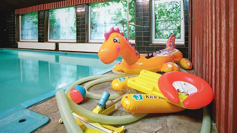 Swimmingpools: Zum Schwimmen in den Keller