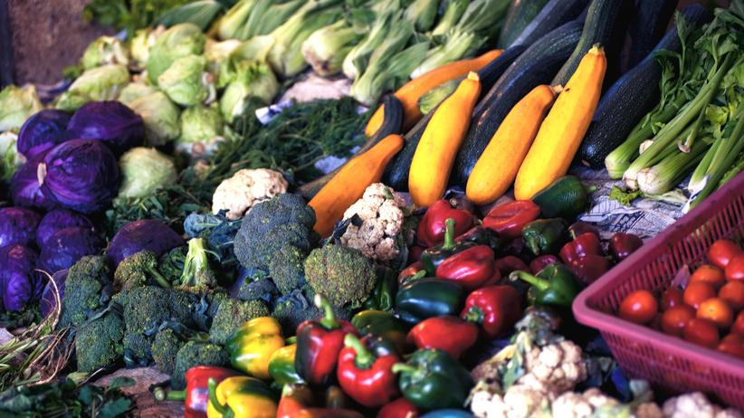 Bio-Lebensmittel: Alles, und zwar immer: Mit dieser Luxuseinstellung werden wir nicht weit kommen.