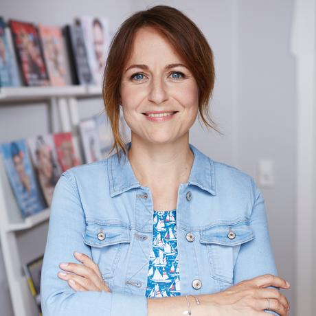 """Facebook: Nina Berendonk arbeitet als Redakteurin und Autorin in München. Bei der """"Süddeutschen Zeitung"""" hat sie angefangen, heute leitet sie das Gesellschafts-Ressort der Zeitschrift """"Donna"""". Sie ist Gastautorin von """"10 nach 8""""."""