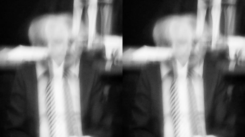 Horst Seehofer, durch die Glaskuppel des Reichstags fotografiert