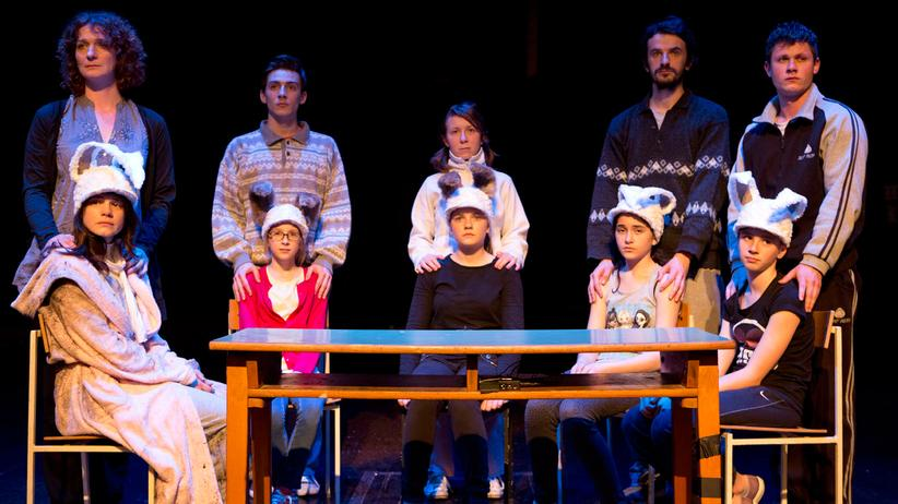 """Serbische Minderheit: Eine Szene aus Oliver Frljićs Theaterstück """"Aleksandra Zec"""" in Rijeka"""