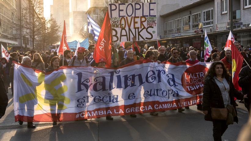 Soziale Ungleichheit: Blockupy-Proteste im März 2015 gegen das neue Hauptquartier der Europäischen Zentralbank in Frankfurt